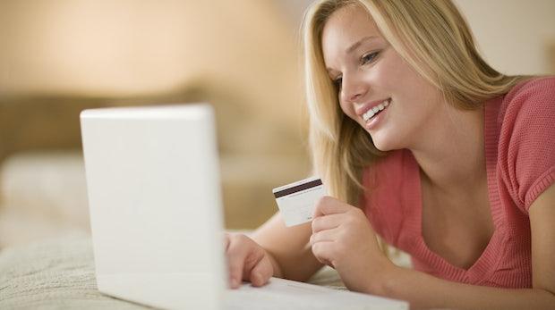 Bezahlen im Internet: Händlern drohen teure Pflichten