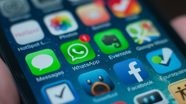 """WhatsApp: """"Geld verdienen hat noch Zeit"""" [DLD 2014]"""
