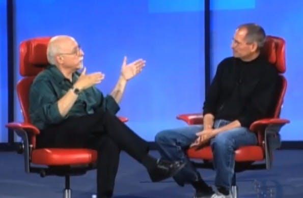 Walt Mossberg interviewt Steve Jobs zum iPhone. (Screenshot: YouTube)
