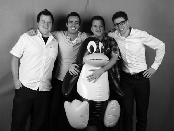"""Das vierköpfige Team von Codeatelier: Mit """"Homee"""" will das Stuttgarter Startup die vielen Smart-Home-Lösungen auf dem Markt miteinander verbinden. (Foto: Codeatelier)"""