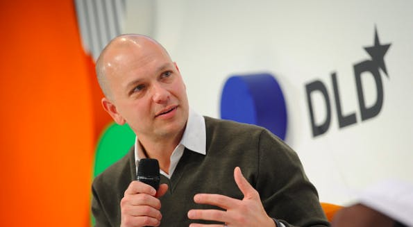 iPod-Erfinder und Nest-Gründer Tony Fadell macht deutlich, dass ohne einen starken Partner wie Google eine internationale Skalierung der Nest-Produkte nur schwer möglich wäre (Foto: DLD)