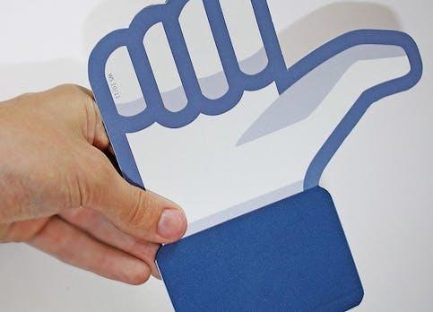 """Anthony DiTirro vs. Facebook: Wurden für die Sponsored-Stories """"Likes"""" gefälscht?"""