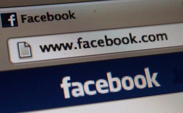 Facebook plant ein eigenes Werbenetzwerk, dass Ads in Drittanbieter-Apps einspeist. (Bild: Flickr-acidpix / CC B 2.0)