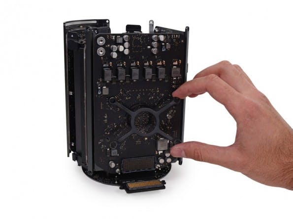 Mac Pro: So sieht die kleine Workstation von innen aus. (Foto: iFixit)
