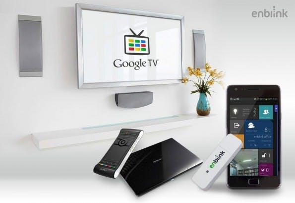 Der kleine USB-Dongle von Enblink automatisiert das eigene Zuhause über Google TV – und lässt Lampen wie Türen per Sprachbefehl steuern. (Foto: Enblink)