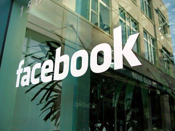 Privatnachrichten: Facebook soll Links zu Werbezwecken auswerten. (Foto: Marco Paköeningrat / Flickr Lizenz: CC BY-SA 2.0)