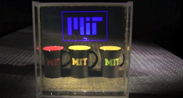 MIT: Transparentes Display nutzt Nanopartikel. (Screenshot: YouTube)