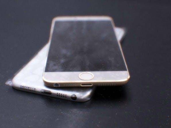 Handelt es sich hierbei um das neue iPhone 6? Es gibt viele Gründe die dafür sprechen. (Quelle: twitter.com/mornray886)