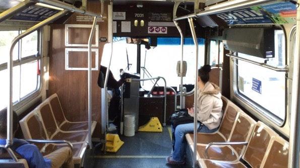 Für den Bus zahle ich rund 70 Dollar im Monat. (Foto: Moritz Stückler)