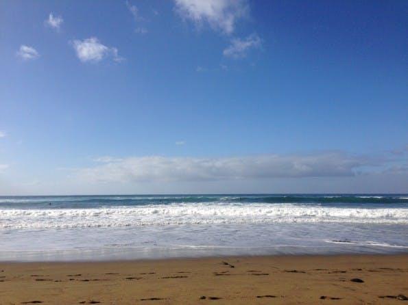 Man muss nicht gleich am Strand arbeiten, aber ein Co-Working-Space am Meer ist schon nett.