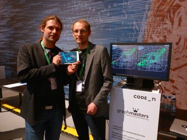 Graphmasters-Gründer Christian Brüggemann und Sebastian Heise präsentieren ihre Technologie bei CODE_n auf der CeBIT. (Foto: t3n)