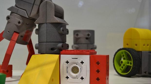 Kinematics: Der OpenSource-Roboter-Baukasten für Bastler und Kinder [CEBIT 2014]