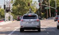 Googles selbstfahrende Autos trauen sich jetzt auch in den Stadtverkehr