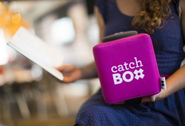 Ein schwer angesagtes Office-Gadget, selbst auf Startup-Events: Die Catchbox. (Foto: Catchbox)