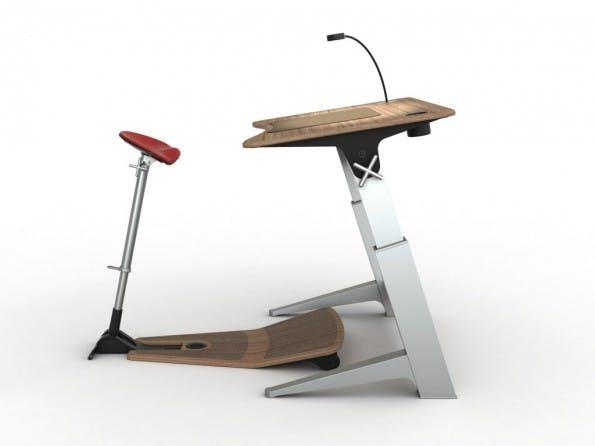 Damit Mitarbeiter mit Spaß und Konzentration arbeiten können, ist auch Ergonomie wichtig. Dieser Standing Desk hilft dabei. (Foto: Focal Furniture)
