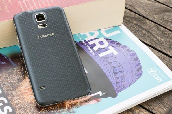 Das Samsung Galaxy S5 bekommt tatsächlich noch Android 6.0.1 Marshmallow. (Foto: Johannes Schuba)