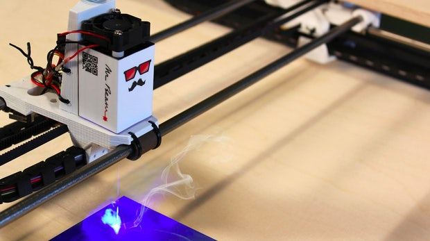 Open Source: Portabler Lasercutter Mr Beam landet auf Kickstarter