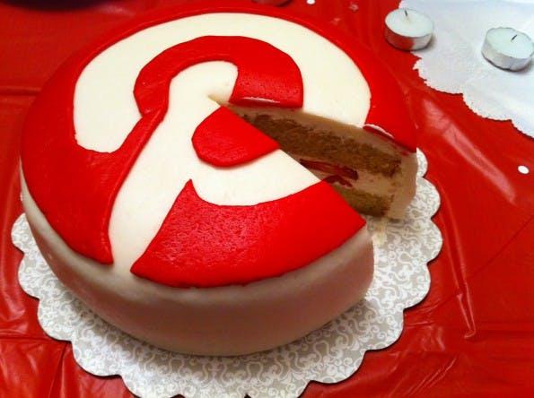 Pinterest: Mit diesen Tipps könnt ihr euch ein Stückchen Reichweiten-Kuchen von dem sozialen Netzwerk abschneiden. #FLICKR#