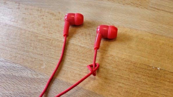 Technik-Lifehack #11 – Den linken und rechten Kopfhörer unterscheiden. (Bild: t3n.de)