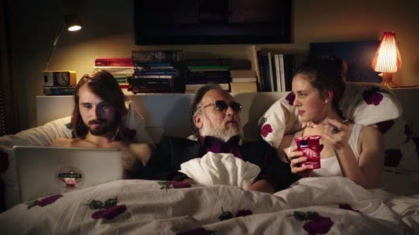Supergeil: Wir teilen am liebsten Inhalte, die für gute Laune sorgen. (Screenshot: EDEKA / YouTube)