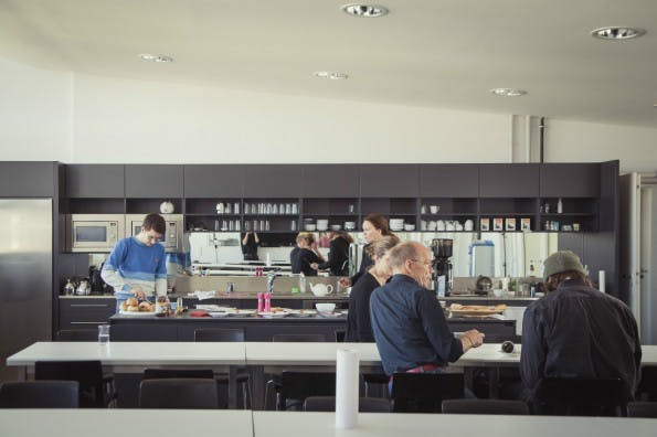 Die vom deutschen Typographie-Papst Erik Spiekermann gegründete Agentur sitzt in Berlin, Amsterdam und San Francisco. (Foto: Edenspiekermann/Claudia Burger)