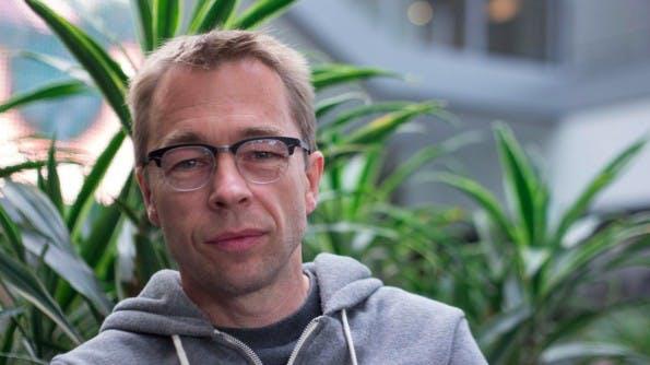 Ralf Groene ist der Schöpfer von Microsofts Surface-Design und verantwortlich für ein 17-köpfiges Design-Team in Redmond. (Foto: Moritz Stückler)