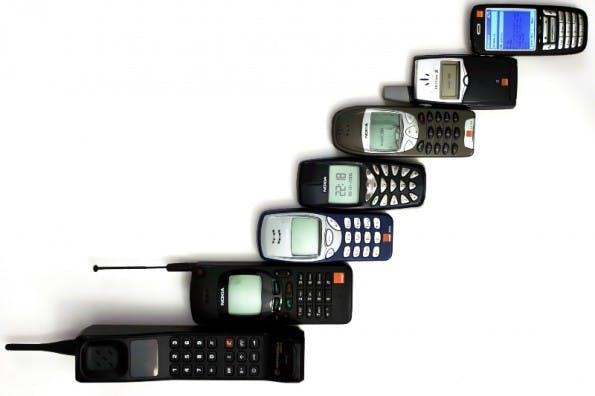 Handys – Mittlerweile von Smartphones verdrängt (Foto: By Anders (Own work) [Public domain], via Wikimedia Commons)