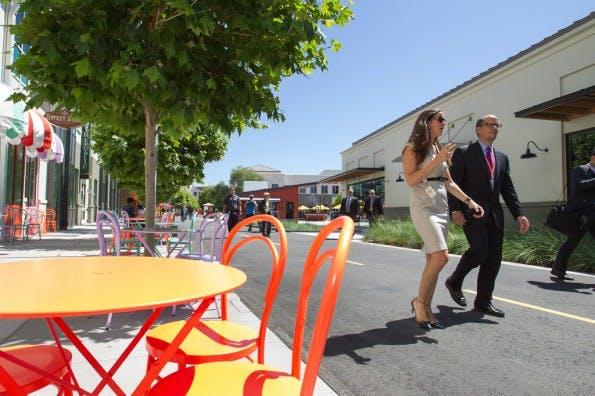 Der Facebook-Campus in Kalifornien hat mehrere eigene Cafés und Restaurants. (Foto: US Department of Labor  – via flickr , Lizenz   CC BY 2.0)