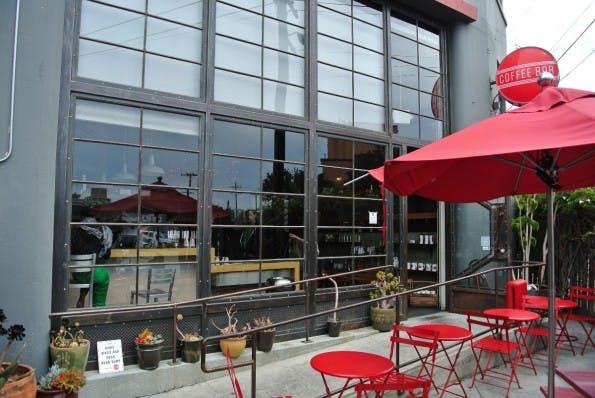 """Webworking in San Francisco: Die """"Coffee Bar"""" punktet mit einer behindertengerechten Ausstattung. (Bild: Andreas Weck)"""