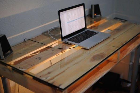 nicht von der stange diese 10 schreibtische versch nern dein homeoffice t3n. Black Bedroom Furniture Sets. Home Design Ideas