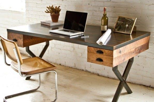 Nicht von der stange diese 10 schreibtische versch nern for Schreibtisch naturholz