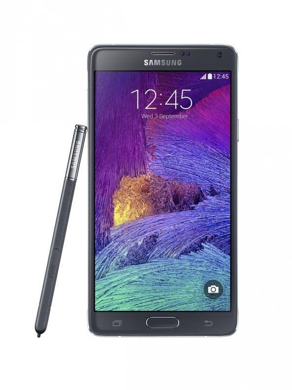 Das Samsung Galaxy Note 4 wurde in essentiellen Gesichtspunkten überarbeitet, sieht aber dem Vorgänger noch zum Verwechseln ähnlich. (Quelle: Samsung)