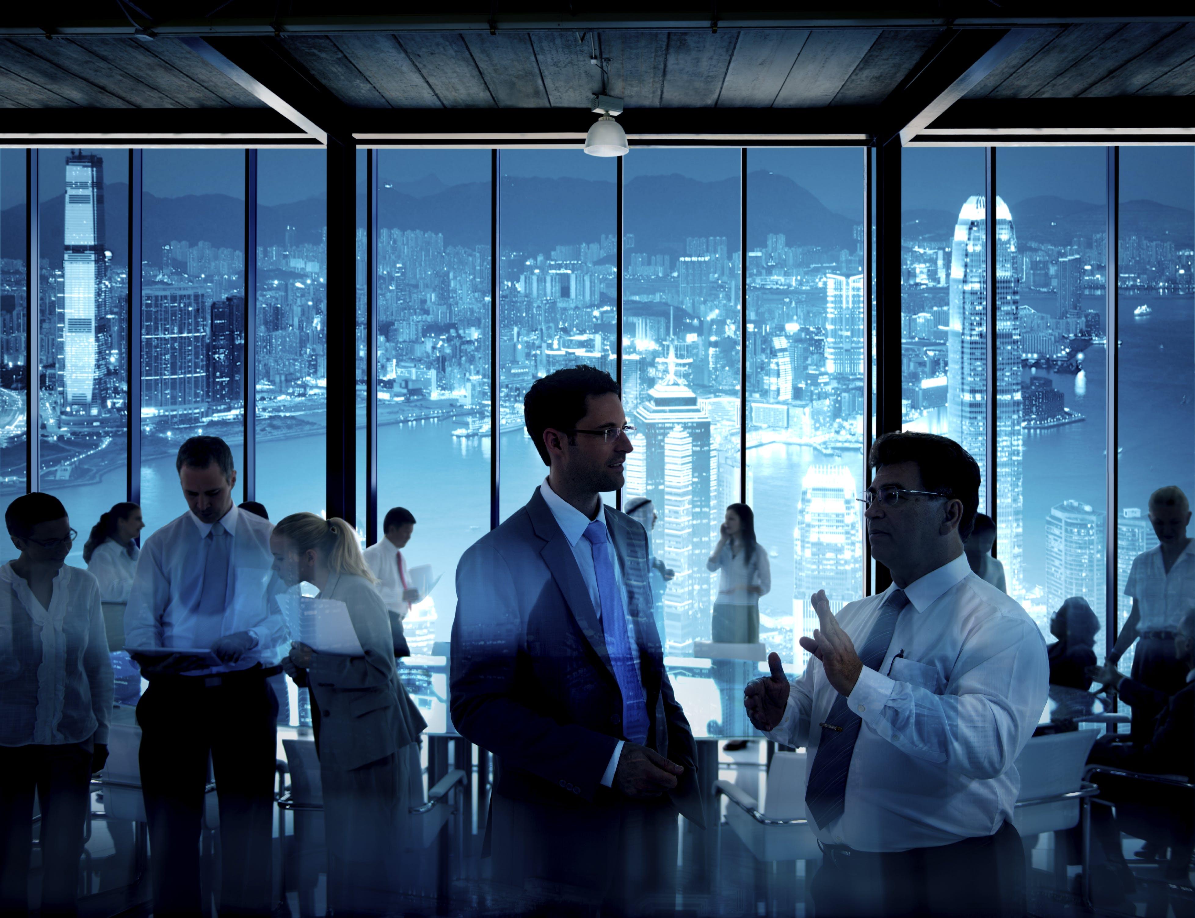 Richtig Netzwerken: Tipps und Tricks für die berufliche Kontaktpflege