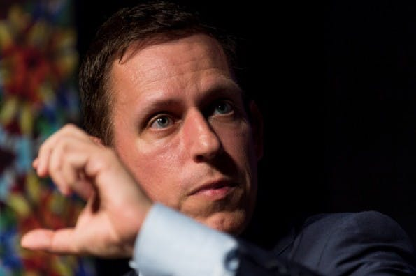 Star-Investor Peter Thiel gehört zu den berühmtesten Tech-Köpfen des Silicon Valley.  (Foto: Fortune Live Media, via flickr, Lizenz CC BY-ND 2.0)