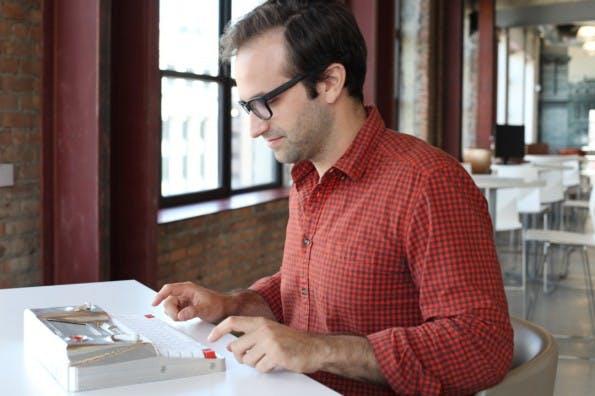 Hemingwrite: Das Gerät soll uns von den Ablenkungen moderner Computer befreien. (Foto: Hemingwrite)