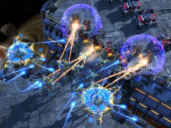 Screenshot aus Starcraft II: Bei dem Echtzeit-Strategiespiel für den PC kommt es auf Strategie und Schnelligkeit an. (Screenshot: Starcraft II)