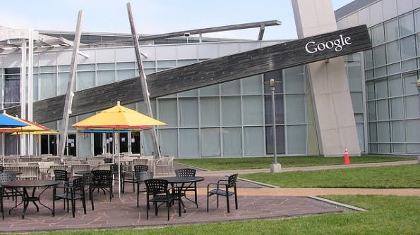 Google Headquarter in Mountain View: Hier laufen alle Stränge zusammen. (Bild: Flickr-Christian Barmala / CC-BY-2.0)