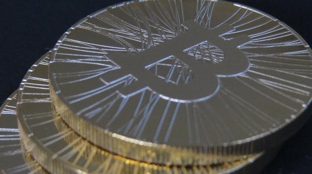12,5 statt 25: Belohnung für Bitcoin-Mining halbiert – Kurs bricht ein