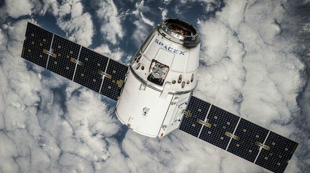 Für superschnelles Internet: SpaceX will tausende Satelliten ins All schießen