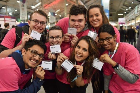 Teil des Erfolgsrezepts: die freiwilligen Helfer. (Foto: Web Summit)