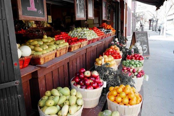 Vielleicht liegt es an diesem ästhetischen Anblick, dass wir Deutschen auf den Lebensmittel-Onlinehandel verzichten - was glaubt ihr? (Foto: fotolia.com)