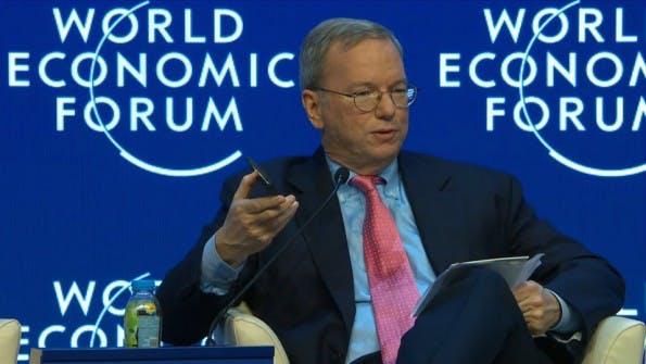 Google-Chairman Eric Schmidt redet über die Internet-Zukunft. (Screenshot: World Economic Forum)