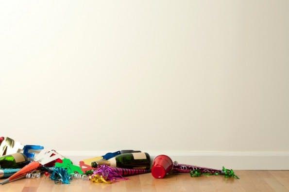 Die letzten Überbleibsel der Silvester-Party dürften mittlerweile beseitigt worden sein. (Foto: DNY59 – istockphoto)