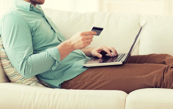 """Online-Shopping: """"Bald verfügbar"""" als Lieferfrist für Ware nicht ausreichend"""