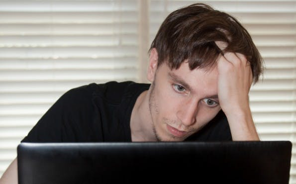 Werden unsere Augen nicht regelmäßig entlastet, kann dies im schlimmsten Fall zu Sehstörungen führen. (Foto: Shutterstock)
