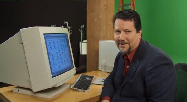 25 Jahre Photoshop: John Knoll hat das Programm 1987 angefangen zu schreiben. (Screenshot: Adobe-YouTube)