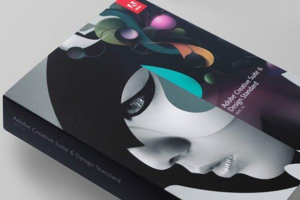 Stylische Boxen, die per Einzelkauf erhältlich waren – das liebten die Adobe-Kunden. Wegen der Forderung nach stabileren Umsätzen und mehr Umweltschutz, wurden diese jedoch durch die Cloud ersetzt. (Foto: non-format)