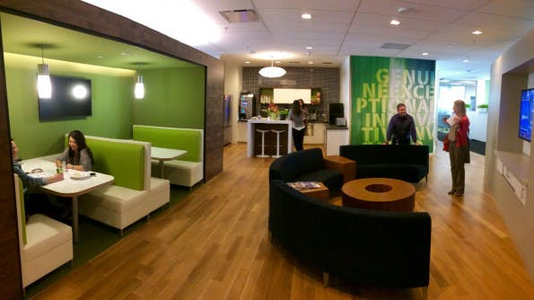 Im Hauptquartier von Adobe hat man die Arbeitsbereiche vor einigen Jahren aufwändig restauriert, um mehr Energieeffizienz zu erreichen. (Foto: t3n)