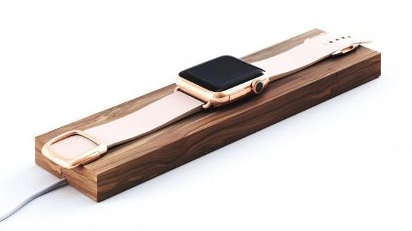 Composure: Auch diese Ladestation für die Apple Watch setzt auf Walnussholz. (Foto: Composure)