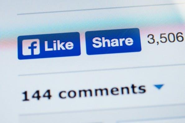 """Der """"Share""""-Button Facebook erfreut sich großer Beliebtheit. Unter Umständen kann die Nutzung aber teuer werden. (Foto: © Hadrian / Shutterstock.com)"""